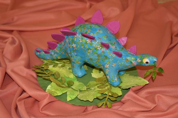 Podzim. prázd. - dinosaurus na průzkumu
